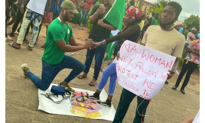 #EndSARS Protester Proposes To Girlfriend In Lagos [PHOTOS]