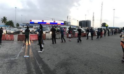 HAPPENING NOW!!! Stand Still At Lekki As #SARSMUSTEND Protesters Block Toll Gate [PHOTOS/VIDEOS]